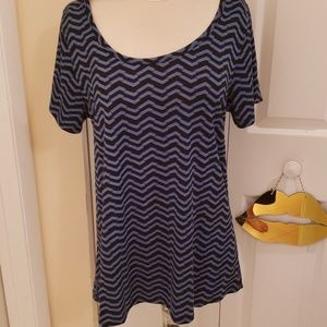 Lularoe Simply Comfortable T Shirt in size large